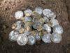 dépot de monnaies en or et argent trouvé en pologne avec un détecteur