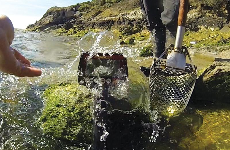 detection avec un fisher F44 à la plage