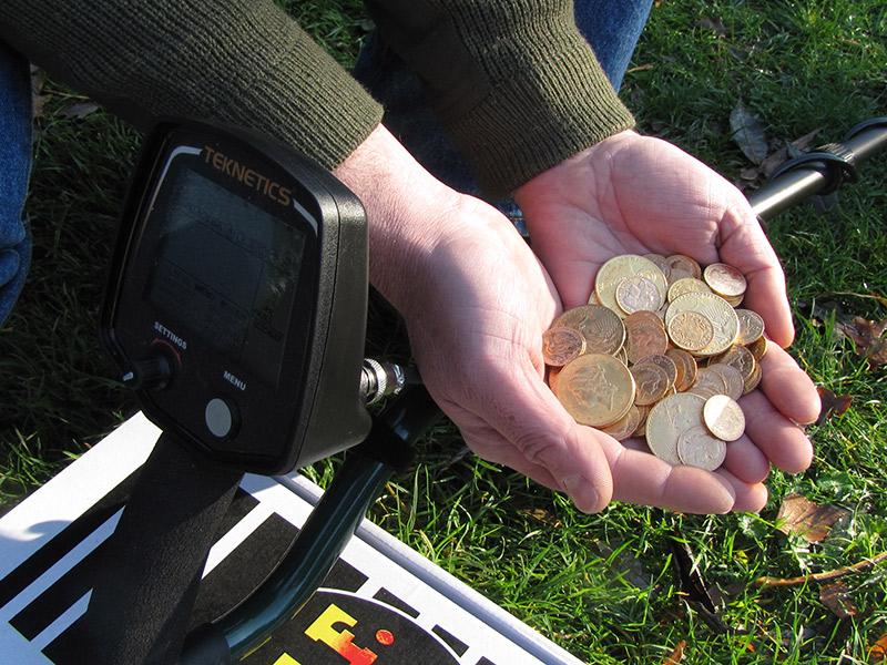 le détecteur teknetics t2 trouve 110 monnaies en or